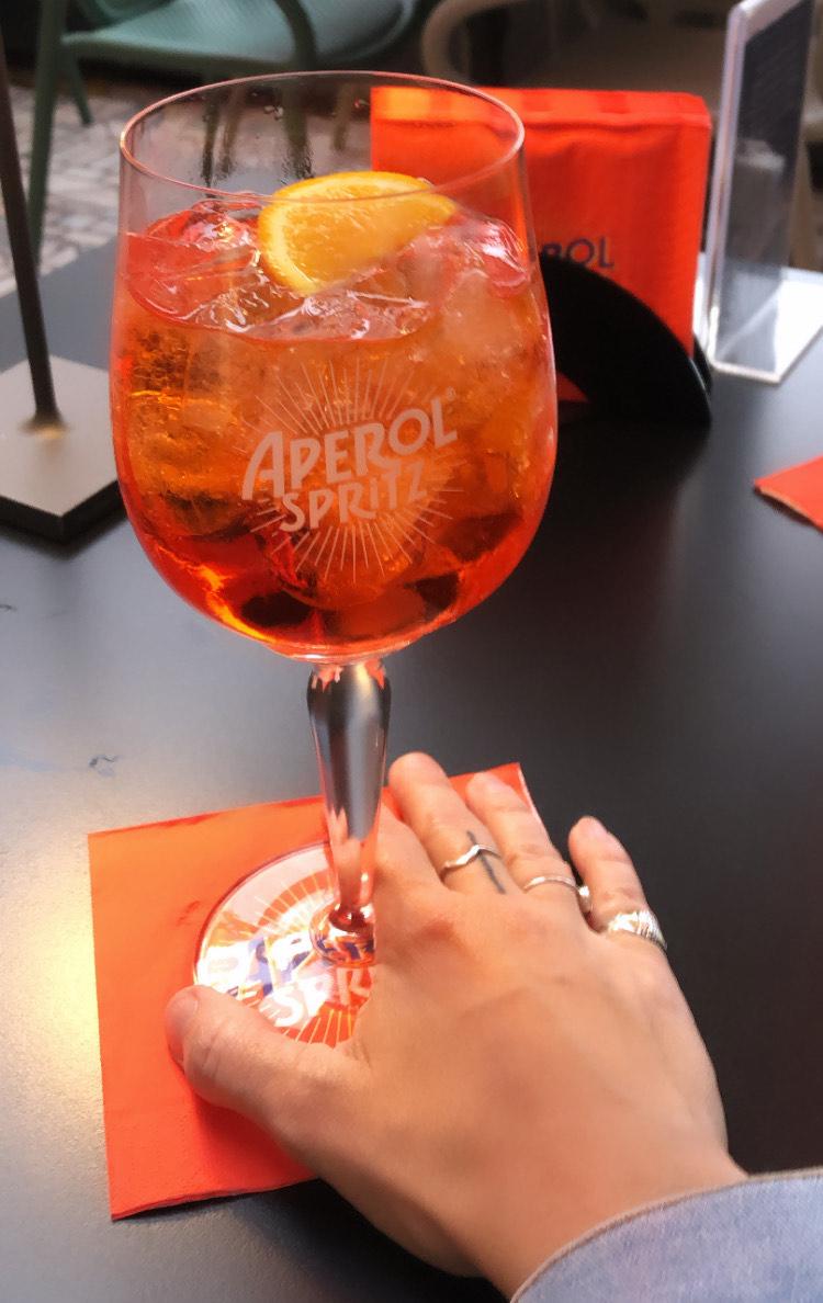 Italie - Aperol Spritz Bar - Ariane Simard Styliste